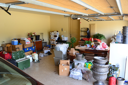 Cluttered Garage - Before Shot - 425.jpg