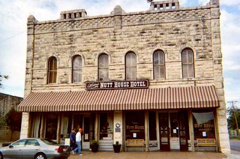 Nutt House Hotel & Restaurant - 489.jpg