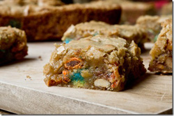 Sweet-Salty-Candy-Bar-Blondies-24_thumb 250.jpg