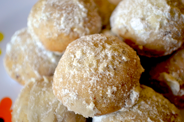Easy Pecan Laced Mexican Wedding Cake Cookie Recipe