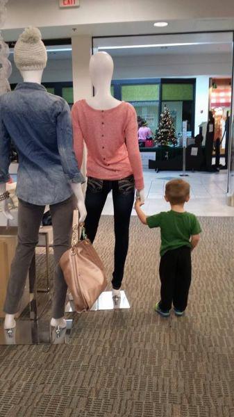 5-5 - Boy & mannequins-337.jpg