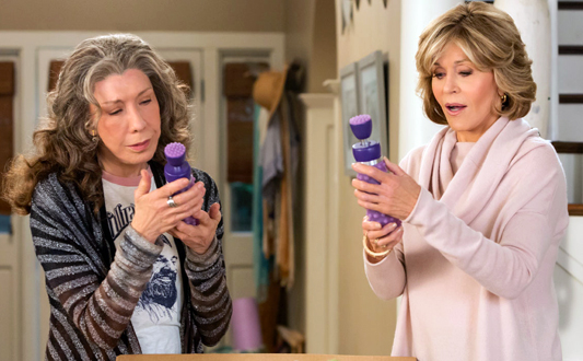 Grace & Frankie Season 3 -533.jpg